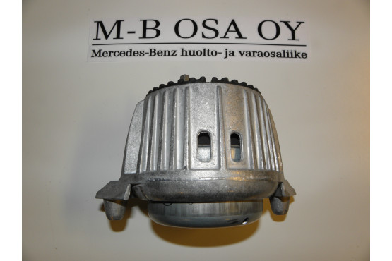 MOOTTORIN TUKI VASEN OE-LAATU